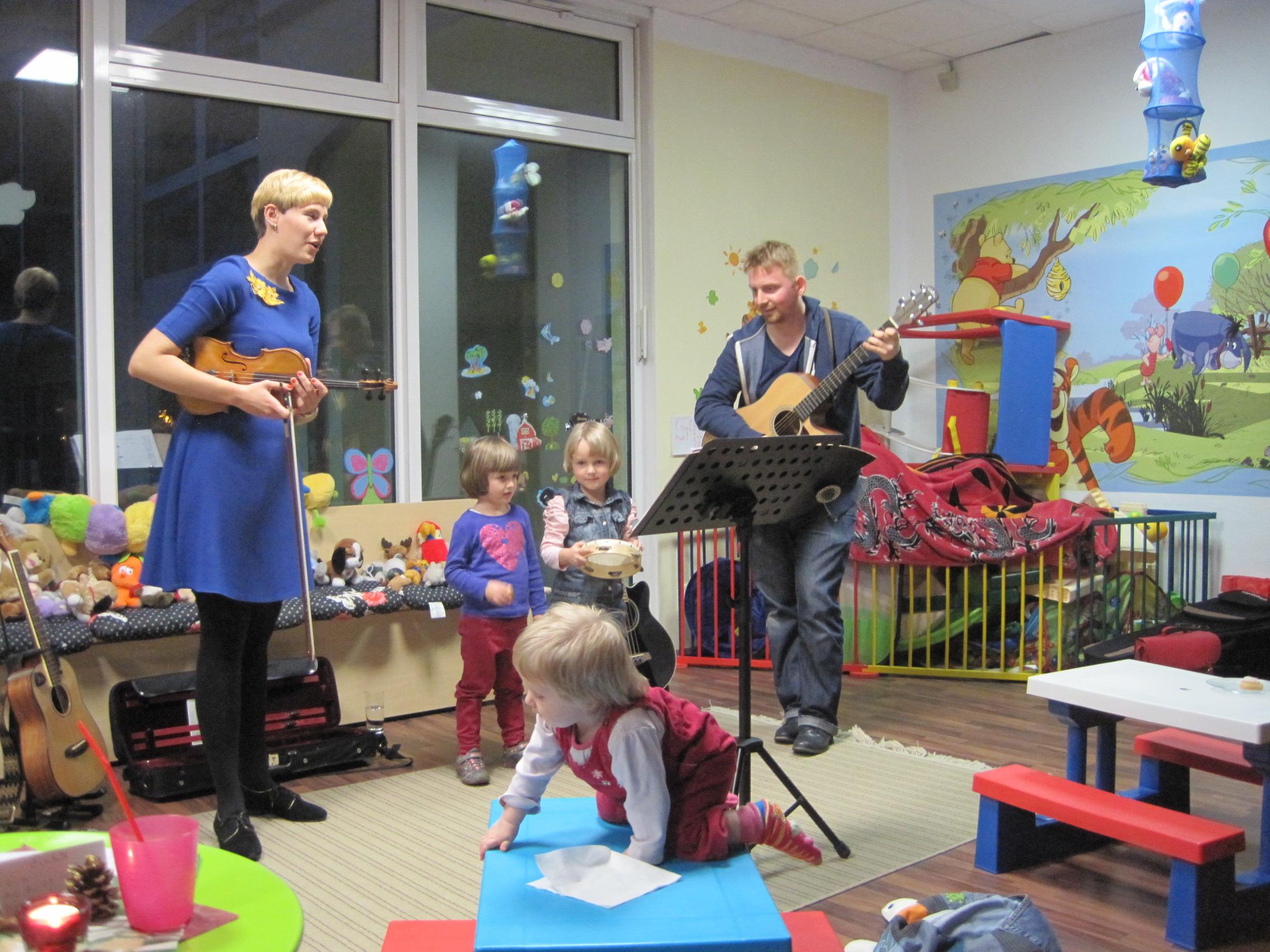 Im Kindercafé (12/2014)